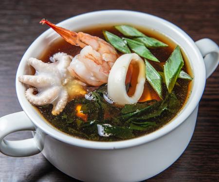 Острый суп с морепродуктами